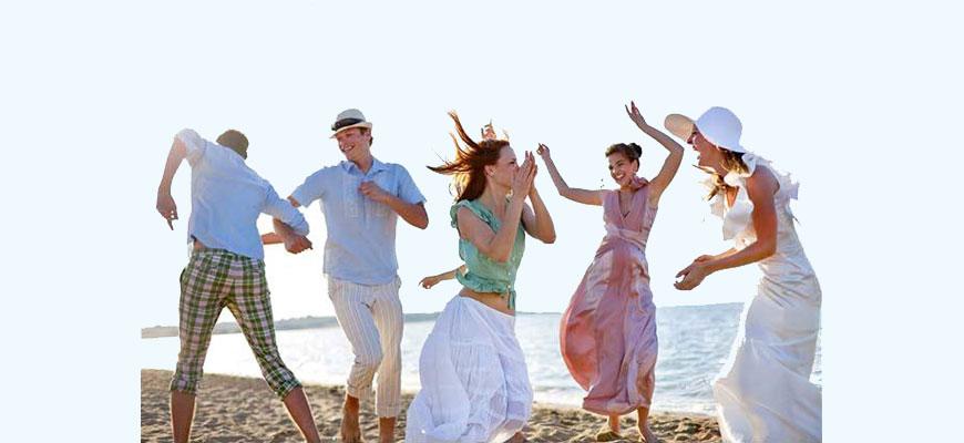 people_dancing_on_beach_blue
